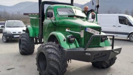 Советский грузовик ГАЗ-63 превратили в монструозный пикап на арочных колесах