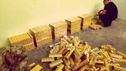Крупнейшую контрабанду сигарет пытались доставить в Украину через Гомельщину две белорусские фуры