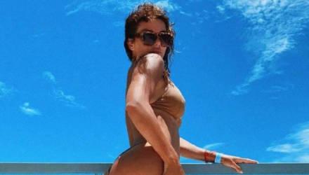 Седокова в бикини доказала, что жених знает все её лучшие ракурсы, выложив жаркое фото