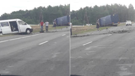 Фура и микроавтобус столкнулись в Светлогорском районе (фото, видео)