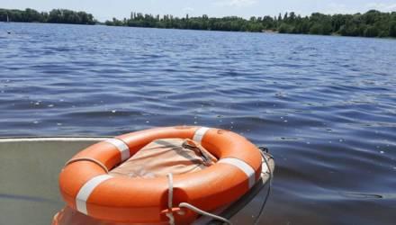 В Гомеле мужчина поспорил со знакомой, что сможет переплыть озеро и утонул. Женщина выиграла