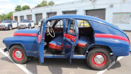 Музею ГАИ Гомельской области подарили отреставрированный автомобиль «Победа»