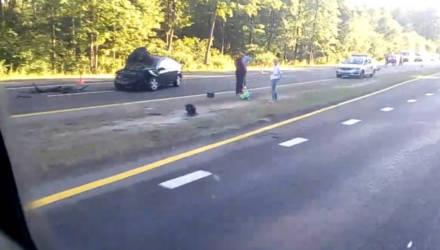 На речицкой трассе под Гомелем Nissan столкнулся с грузовиком – есть пострадавшие