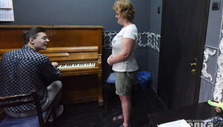 Катя мечтает спеть на «Славянском базаре». История гомельчанки с гидроцефалией