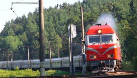 Мужчина сел на рельсы, и его насмерть переехало гомельским поездом