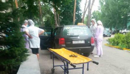 Жительница Добрушского района родила ребёнка в машине такси
