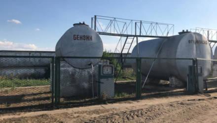 В Речицком районе заведующая складом в одиночку вынесла почти 4 тонны топлива