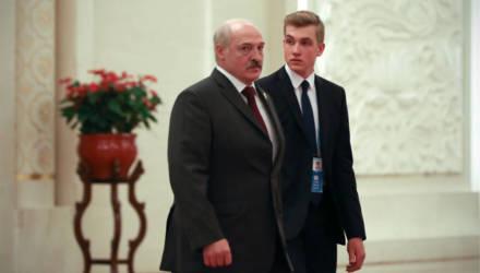 В Сети обсуждают внешность предполагаемой мамы сына Лукашенко