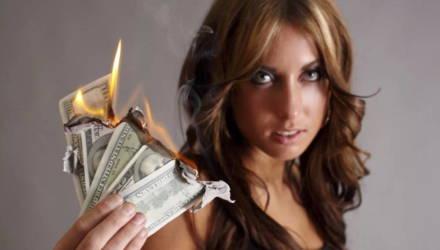 Гороскоп Таро на август всем знакам Зодиака: кто сможет разбогатеть, а кого ждут неудачи