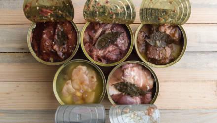 «Нерыбные» консервы и чай с плесенью: в июне Госсаннадзор изъял из торговой сети Гомельщины некачественный импорт