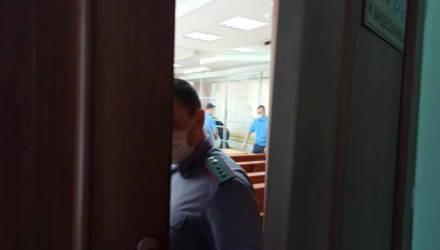 В Гомеле вынесли приговор избившему директора кафе полковнику КГБ