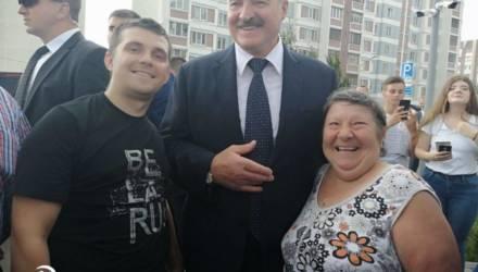 Сел в маршрутку и поехал к президенту. Кто тот гомельчанин, которого Лукашенко назвал на встрече по имени