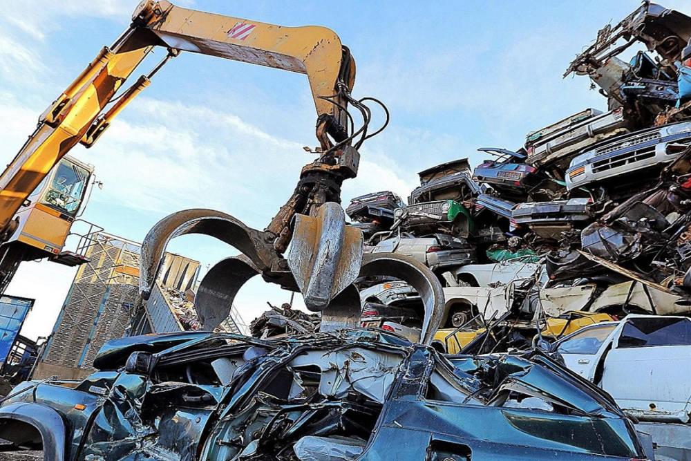 Мозырянин сдал в утиль автомобиль, а на нём совершили ДТП. Как такое могло случиться и кто будет платить?