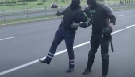 МВД: в Минске сбили сотрудника ГАИ, по автомобилю была открыта стрельба