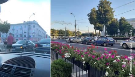 В Гомеле недалеко от площади Ленина произошло ДТП с участием четырёх машин