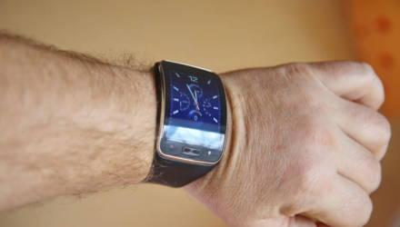 Гомельчанин помог другу купить часы, а затем силой потребовал их вернуть
