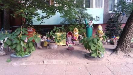 Сказку под окнами своими руками создали жильцы дома № 15 по улице Фадеева