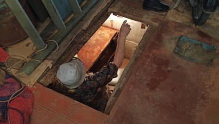 Гомельчанин оказался в ловушке погреба в своём собственном доме. И счёт в борьбе за жизнь уже шёл на минуты