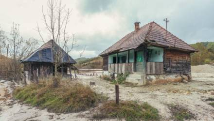 """10 завораживающих фото """"румынского Чернобыля"""", о котором мало кто знает"""