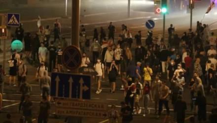 Стрельбу по протестующим в Минске резиновыми пулями сняли на видео