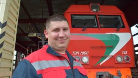 Настоящий мужчина: в Гомеле слесарь локомотивного депо Артур Ровный спас на пожаре двоих детей