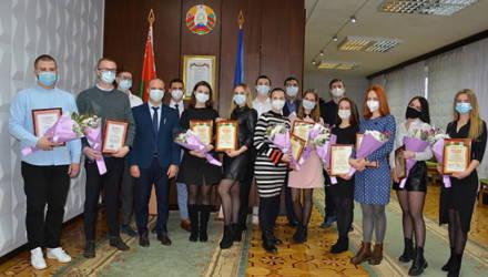 Студенты-волонтёры Гомельского медуниверситета отмечены за работу в борьбе с COVID-19