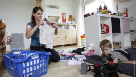 С 1 февраля вырастут пособия на детей до трёх лет