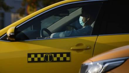 В Гомельском районе пьяный пассажир набросился на водителя такси