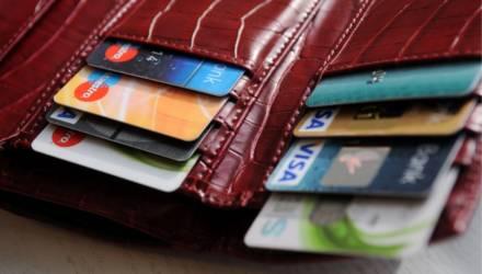Лимит оплаты крупных покупок наличкой сократят в 2 раза