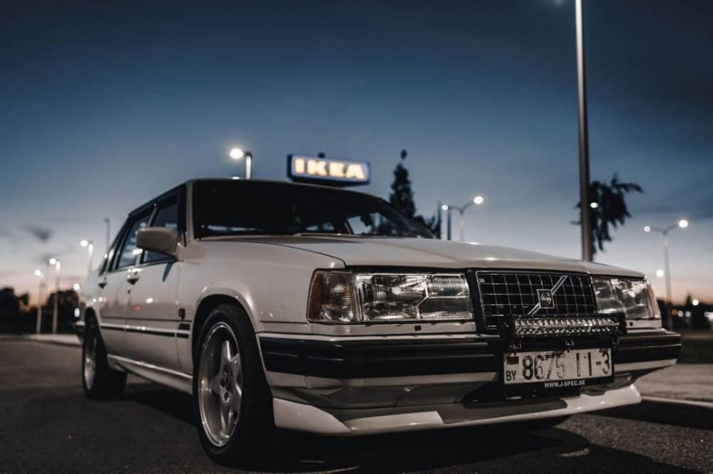 Парень из Гомеля установил на старенькую Volvo мотор JZ. Теперь она разгоняется до сотни за 6 секунд