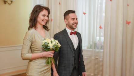 «Прекрасно, как ни крути»: в Гомеле 12.02.2021 поженились 53 пары