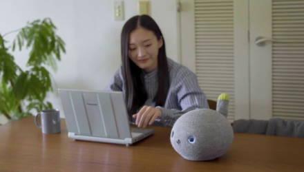 Panasonic представила робота-кошку, которая может игнорировать хозяина и пукать