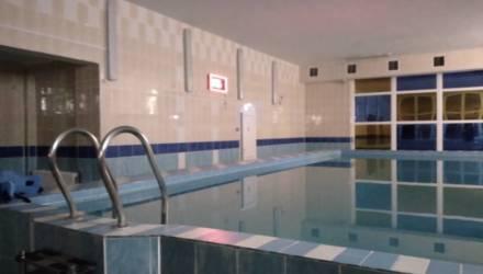 В Житковичах 29 человек обратились в больницу из-за инцидента с хлором и соляной кислотой в бассейне