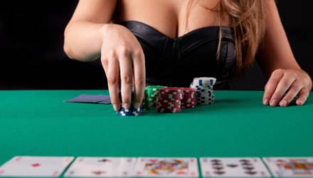 В Жлобине вынесли приговор организаторам подпольного покер-клуба