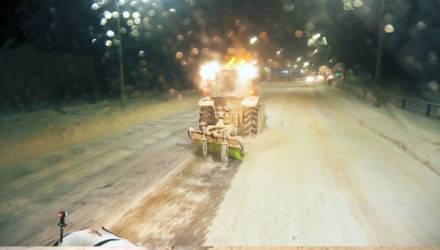 Испытано на себе: ночь на снегоуборочной машине