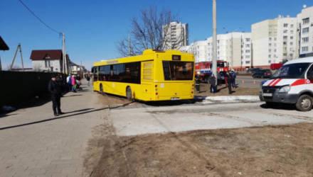 В Бобруйске водитель автобуса умер за рулём – пассажиры выпрыгивали на ходу
