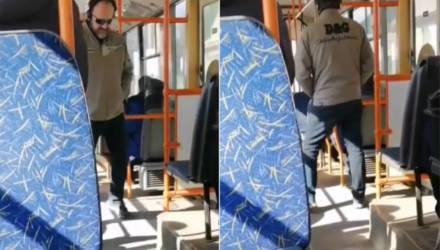 Гомельчанин в наушниках не выдержал и начал танцевать прямо в троллейбусе. Теперь пользователи хотят себе такую же музыку