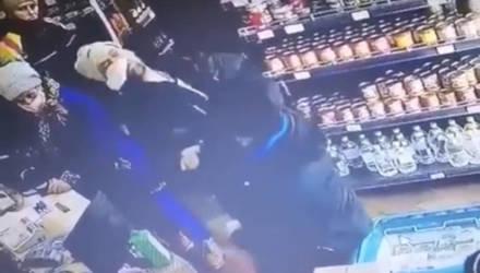 В гомельском магазине воришка получил по лицу мощную оплеуху