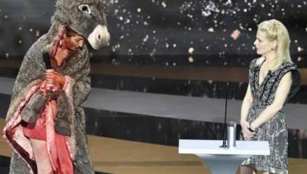 Актриса разделась догола на вручении кинопремии Cesar – зал был в шоке