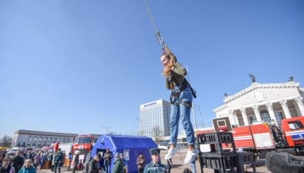 """На площади Ленина в Гомеле проходят """"Дни безопасности"""""""
