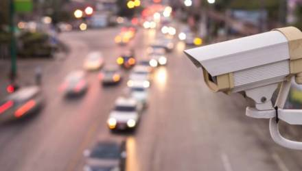 В ГАИ говорят, что в Гомеле нарушивших ПДД водителей теперь отслеживают по камерам наружного наблюдения
