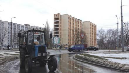 В Гомеле в столкновении трактора и микроавтобуса пострадал годовалый ребёнок