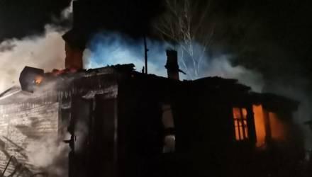Папа пытался спасти из огня, но не смог. В Ветковском районе погибли 10-летний мальчик и его брат