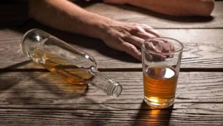 Суррогат с ароматом коньяка - судебные эксперты Гомеля об опасности псевдоалкоголя