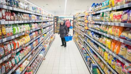 В Беларуси рванули цены на курицу, свинину, картошку, сладости, пиломатериалы и туристические услуги