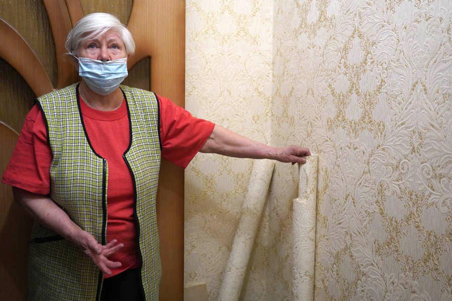 «Без вины виноватая»: почему 80-летней гомельчанке с улицы Трудовой пришлось делать самой ремонт квартиры, затопленной соседом?