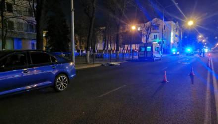 """В Гомеле на пешеходном переходе водитель """"Шкоды"""" насмерть сбил женщину"""