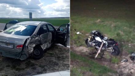 Под Гомелем женщина-водитель не уступила мужчине, а в Петрикове автолюбитель протаранил редкий мотоцикл BMW