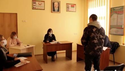 В Гомеле на месяц арестовали призывника-уклониста