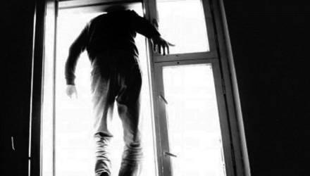 В Гомельской больнице скорой помощи врач выбросился из окна и разбился насмерть